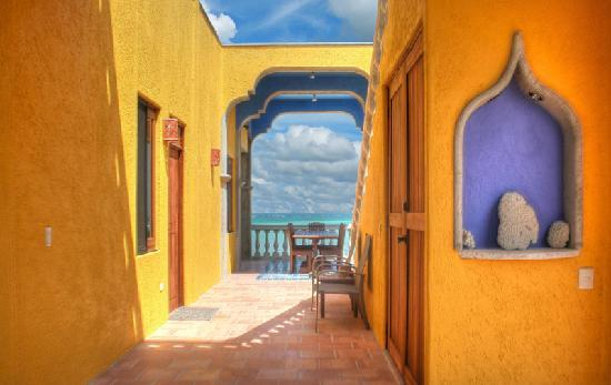 The Taj Majahual: Sweeping views of the Caribbean from the Eco-lux Vacation Rental - Taj Mahahual
