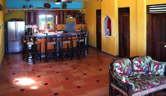 The Taj Majahual : Reserve the entire residence and everyone has access to the fully equipped kitchen, which is par