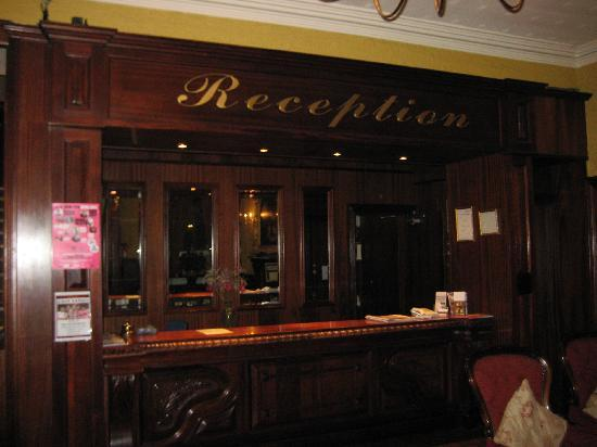 The Grand Hotel Tralee: Reception desk in The Grand