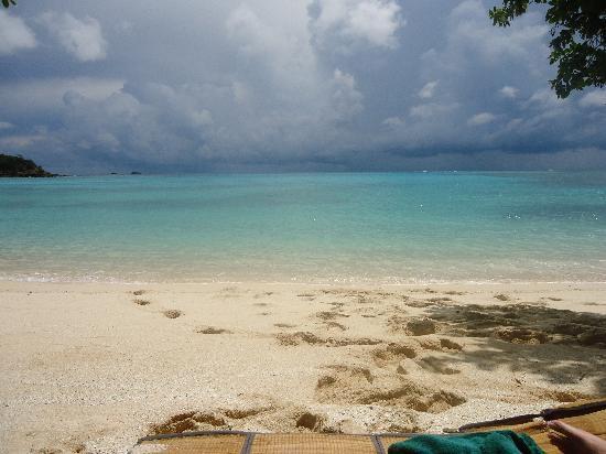 Yasawa Island Resort and Spa: Private beach picnic