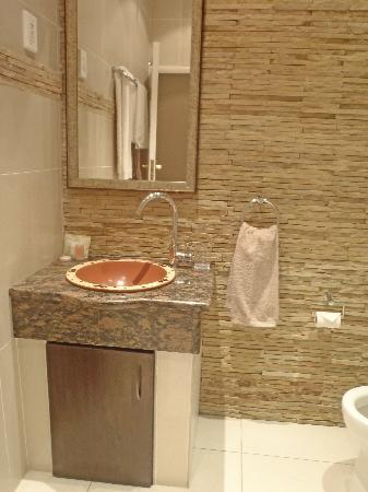 Green Valley Lodge: Bathroom 1