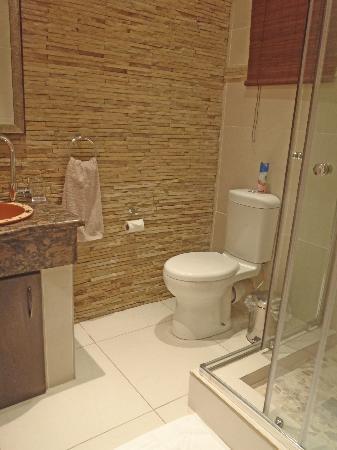 Green Valley Lodge: Bathroom 2