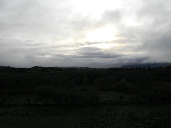 Dawn breaks at River Valley Farmhouse