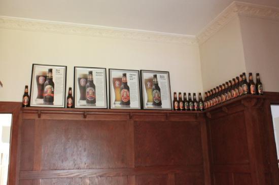 Grand Ridge Brewery: Decor