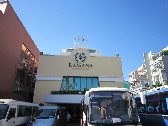 Ramana Hotel Saigon: ラマナ ホテル サイゴン の前景