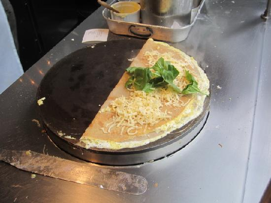 La Creperie Voila: Ham, Swiss cheese, egg, and spinach crepe