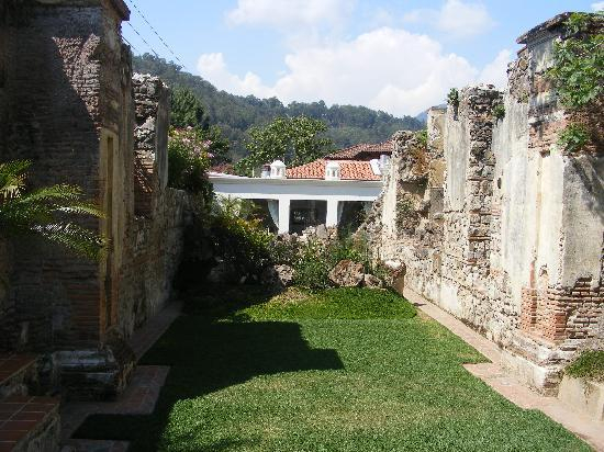 Hotel Cirilo: Garden/interior of 18th century church.