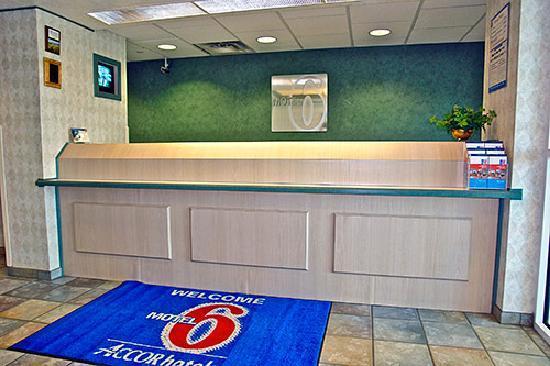 Motel 6 Sheridan: Check-In!