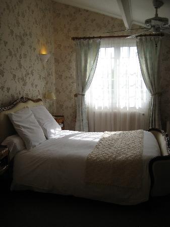 Hotel Chateau Beau Jardin: Une chambre