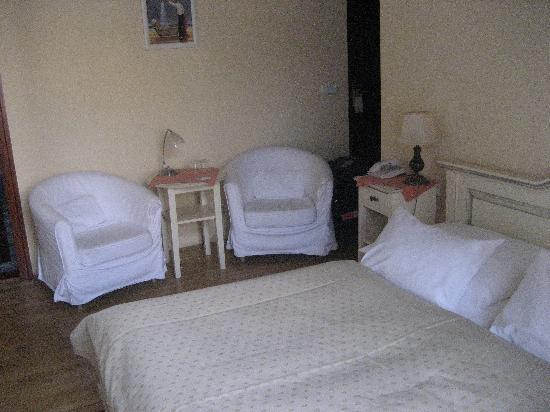 Cerny Slon: Room 5
