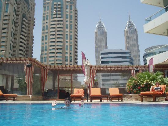 Cosmopolitan Hotel Dubai Bewertung