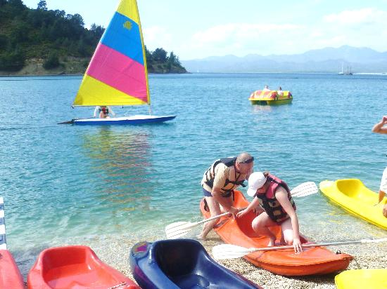 Letoonia Club & Hotel: canoe,windsurf and dinghy sailing