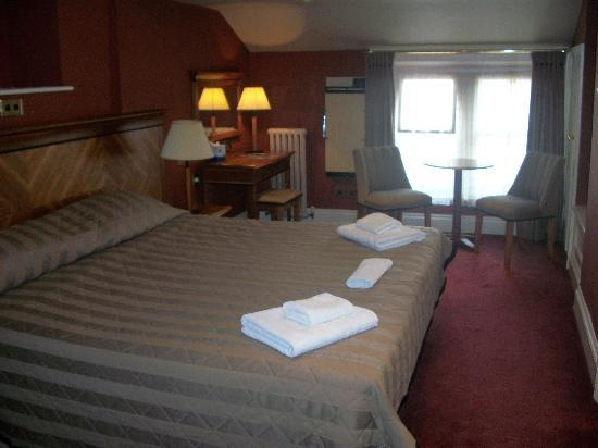 The Harewood Arms Hotel: The Rooms