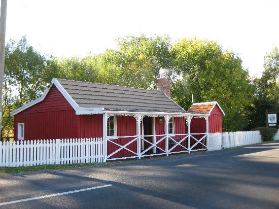 Platypus Riverside Cottage: Cute Cottage