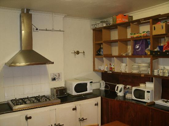The Corkman Irish Pub Hostel: Kitchen