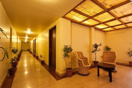 Hotel Mayaa Mansion: UPPER LOBBY
