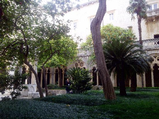 Dominican Monastery: the counyard