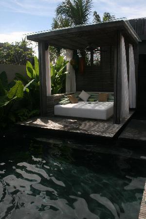 W Retreat & Spa Bali - Seminyak: Villa Pool