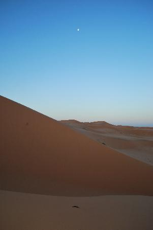 Casa aicha: Sunrise in Sahara