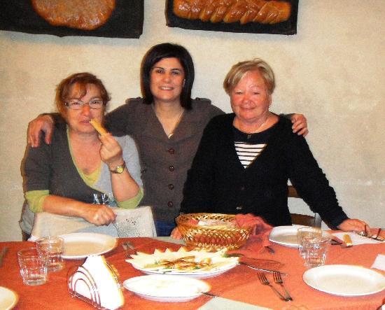 Expanificio: l'aubergiste et les clients