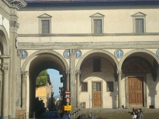 Florencia, Italia: Hospital de los inocentes, plaza de la Anunciatta