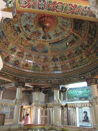 Jain Temple - Mumbai: ジャイナ教寺院