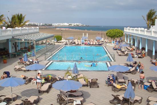 Las Costas: Pool