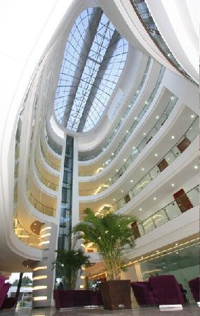 Hotel Atrium Plaza: Interior del Hotel