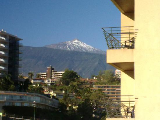 Apartamentos Alta: View of Mount Teide from balcony