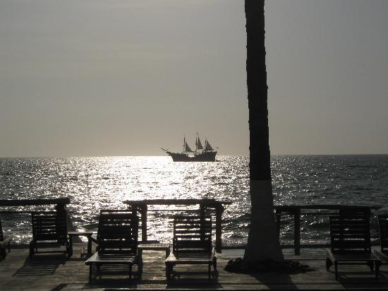 Buenaventura Grand Hotel & Great Moments All Inclusive: pirate ship
