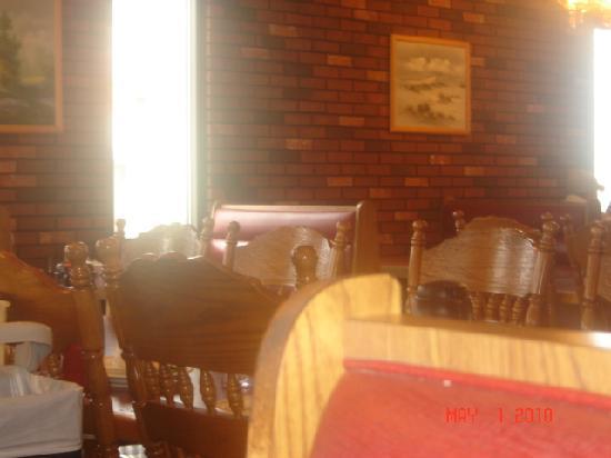Belgian Waffle & Pancake House: Dining area