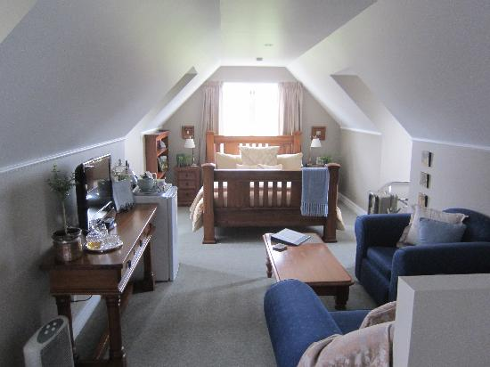 Hillsfield House Bed and Breakfast Marlborough: The gorgeous loft room - luxury!