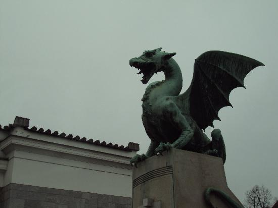 Λουμπλιάνα, Σλοβενία: Famous Dragon