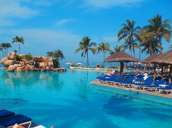 Casa Magna Marriott Puerto Vallarta Resort & Spa: This has to be one of the greatest pools in the world