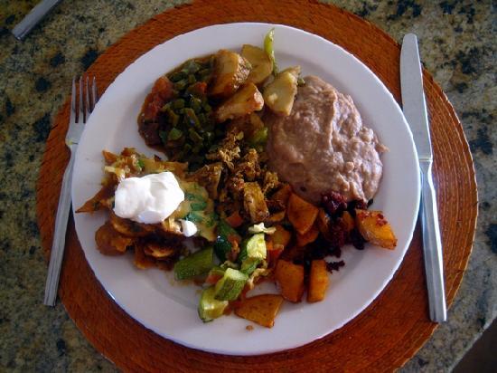 Restaurante de Ramon at Sonoran Sea: Un plato de buffet