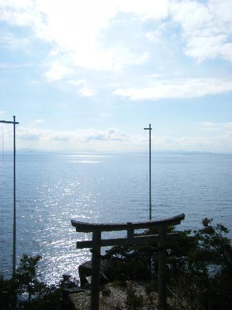 Nagahama, Japón: 神の斎く住居にて