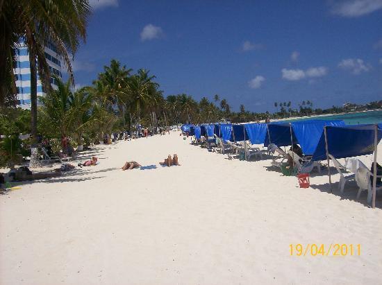 Hotel Bahia Sardina : Más playa