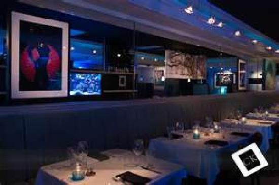 SeaBlue Restaurant & Wine Bar: Great Dining Atmosphere