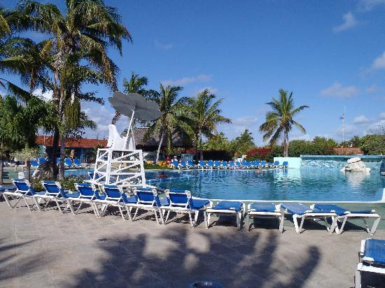 Hotel Roc Santa Lucia: Great pool