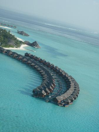 Anantara Dhigu Maldives Resort: taken while paragliding