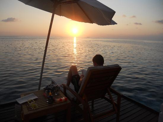 Centara Grand Island Resort & Spa Maldives: sunset view villa 58