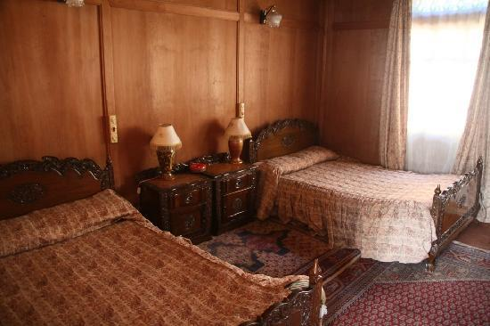Swan Group of Houseboats: room interior- all that woodwork!