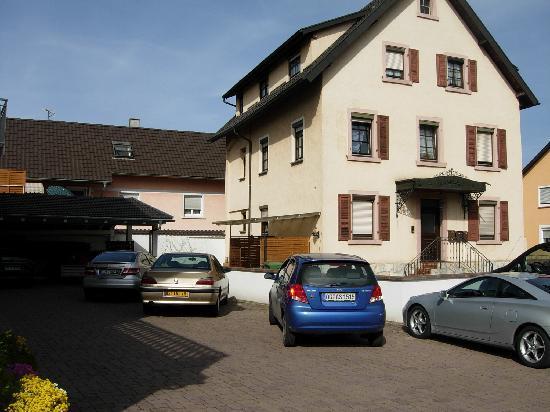 Gästehaus Schmider: Parkplatz Pension Schmider