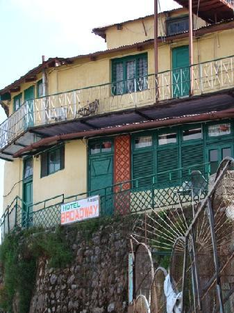 Hotel Broadway Mussoorie: view from camel back road