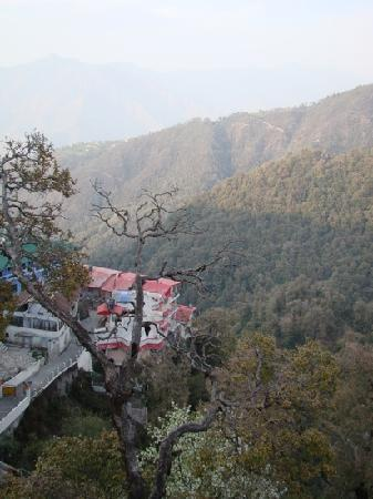 Hotel Broadway Mussoorie: view from balcony
