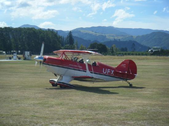 Abel Tasman Pilot a Stunt Plane: Taking off