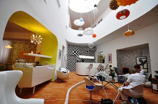 Lounge area picture of vintage design hotel sax prague for Design boutique hotel prag