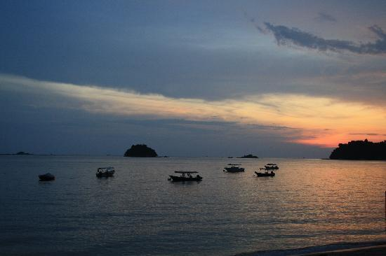Pangkor Sandy Beach Resort: beautiful sunset