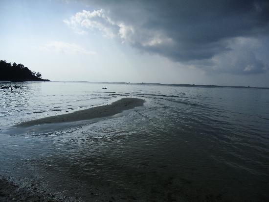 Salad Beach Resort: beach