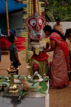 Kannur Beach House: Theyyam